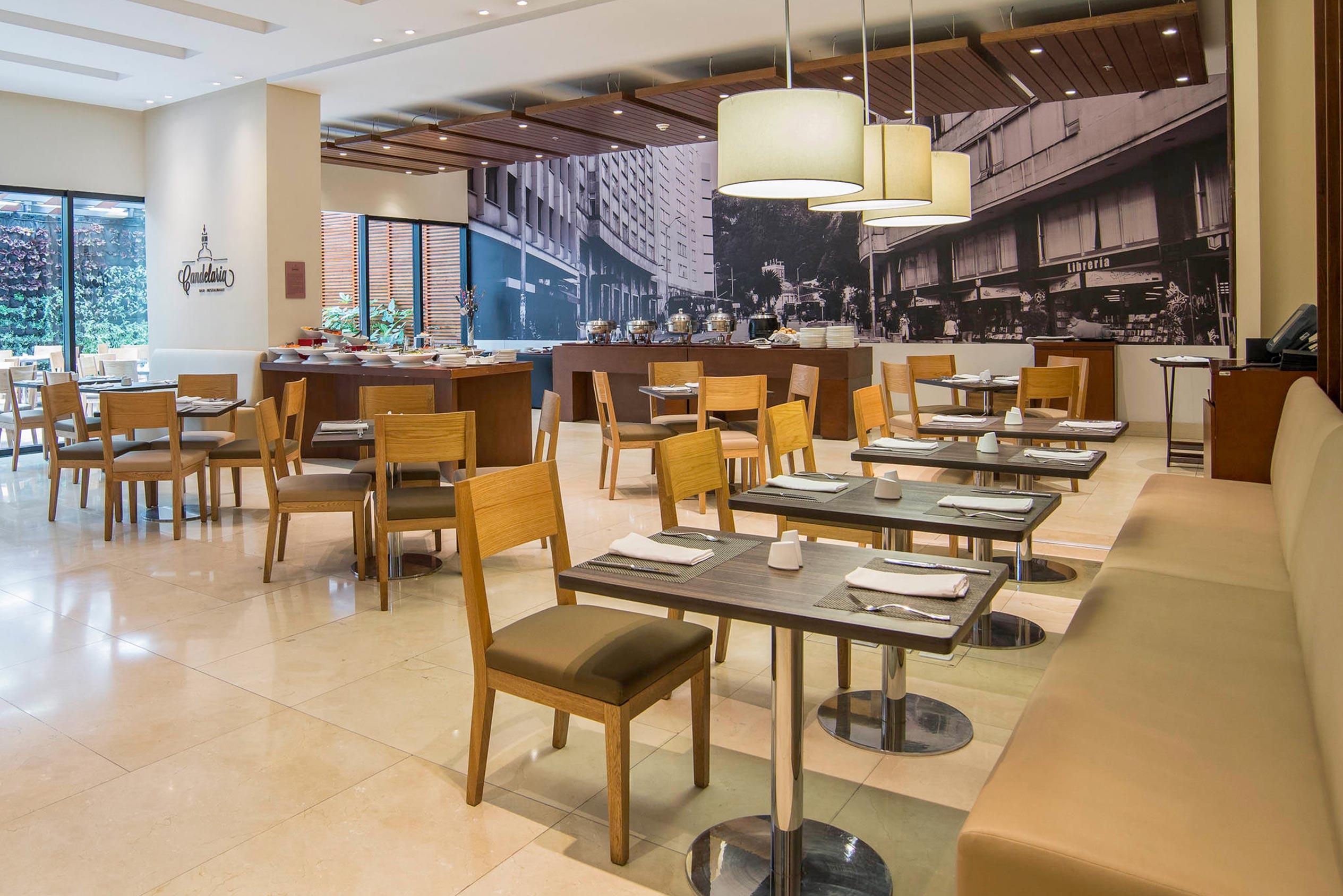 Comedor Hotel Mercure Bogotá 100