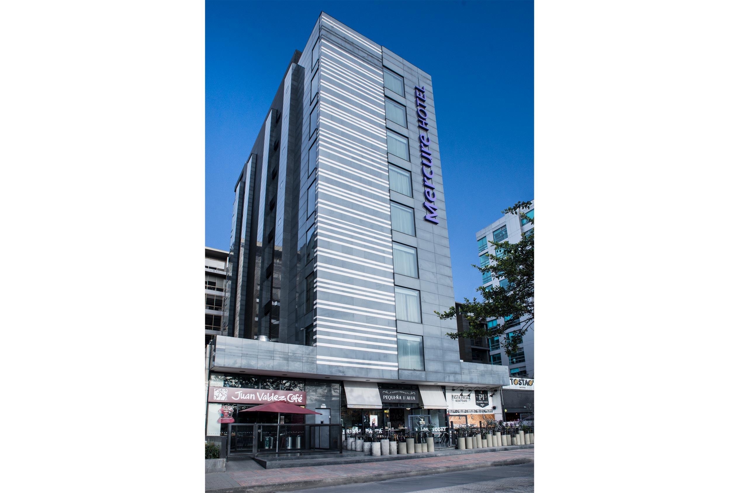 Fachada Hotel Mercure Bogotá 100