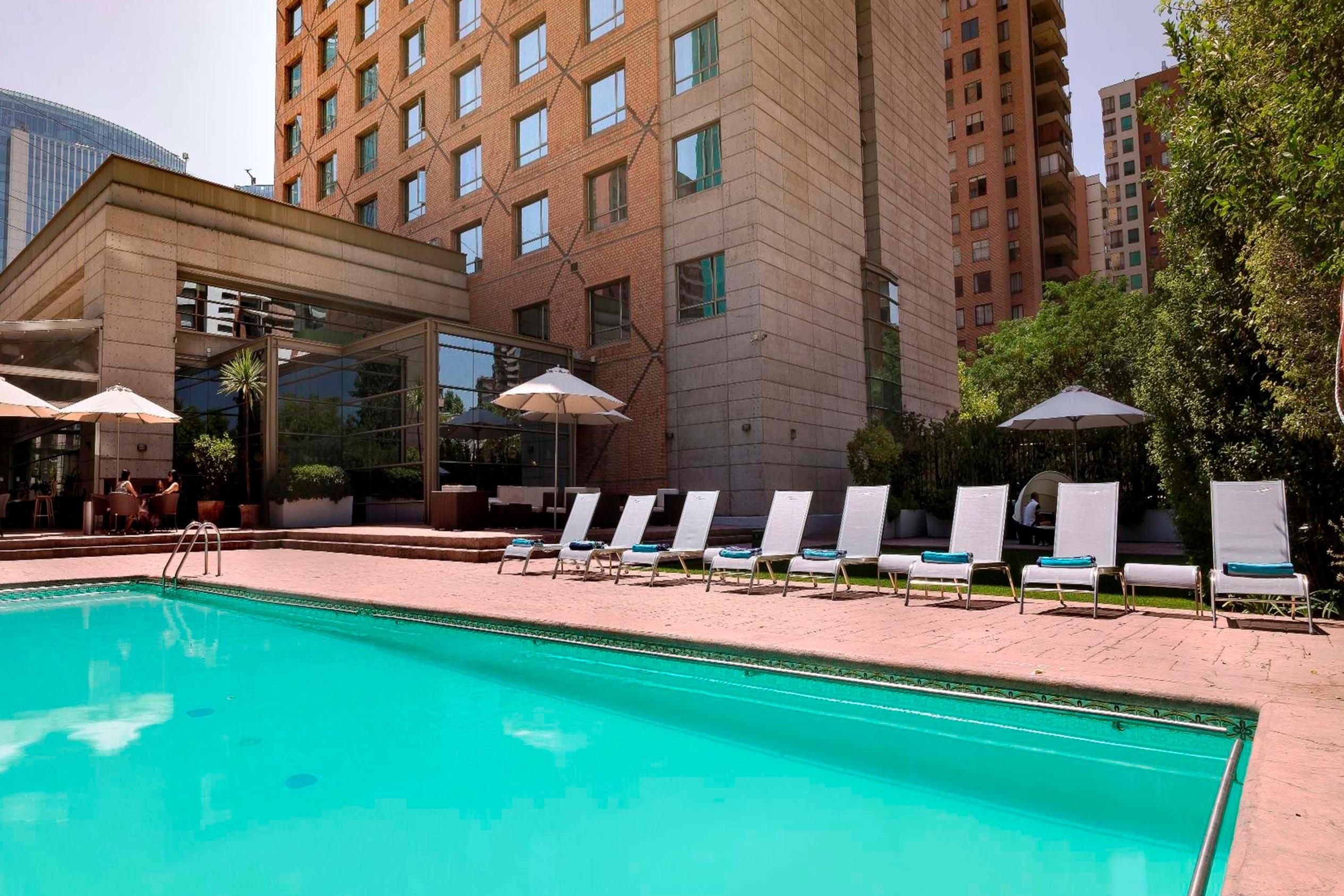 Piscina Hotel Novotel Las Condes