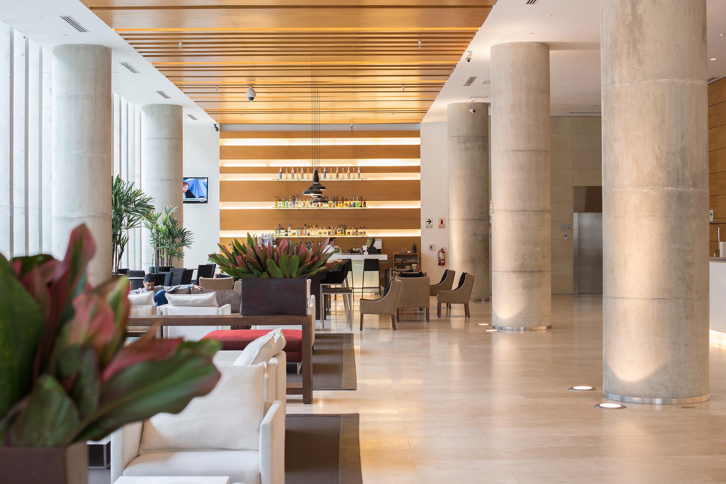 Lobby Hotel Pullman San Isidro